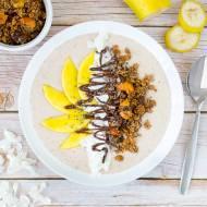 Bowl - kokos & banan z granolą z komosy ryżowej i mango