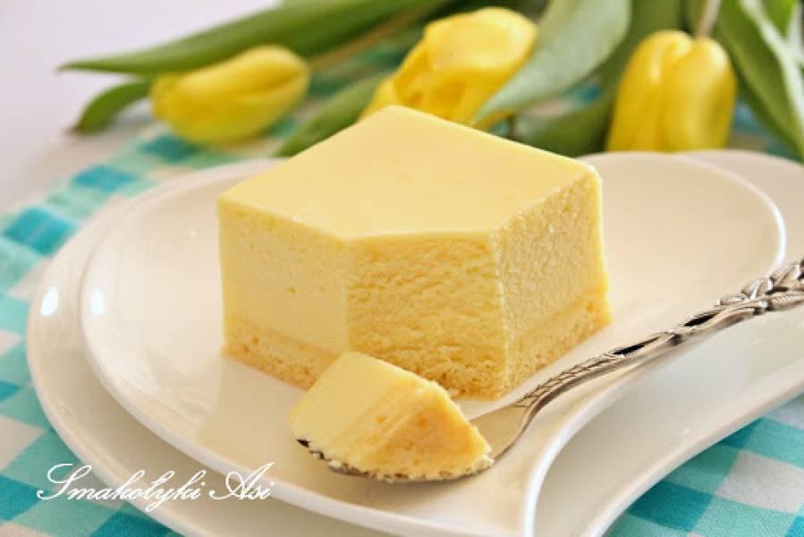 Sernik z mlekiem w proszku i białą czekoladą