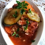 Zapiekane warzywa w sosie pomidorowym