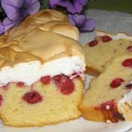 ciasto z wiśniami i pianką bezową...