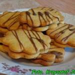 Ciasteczka kruche przekładane marmoladą.
