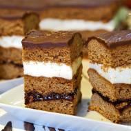 Ciasto piernikowe z powidłami i kremem śmietanowym