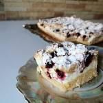 Ciasto owocowe z budyniową pianką