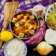 Ananasowe curry z tofu i bakłażanem