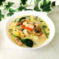 Zupa rybna z pieczarkami i szpinakiem