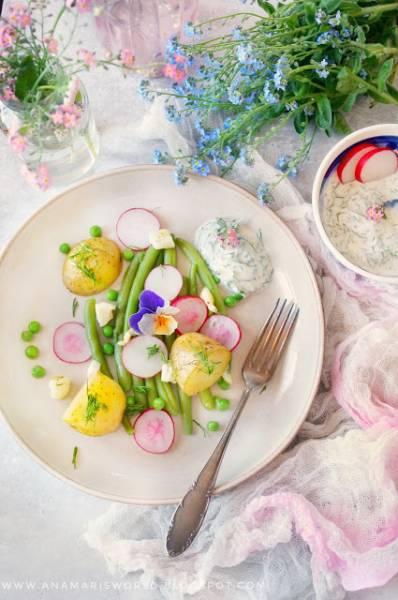 Pieczone ziemniaczki z fasolką - wiosenny dodatek do grilla