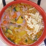 pyszna zupa gulaszowa z kurczaka...