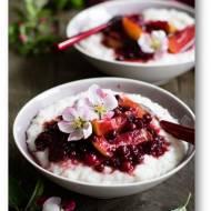 Ryżowy pudding z owocami i mlekiem kokosowym