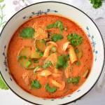 Zupa tajska Tom yum z kurczakiem