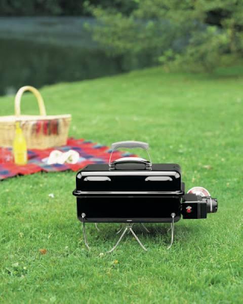 Grillowanie w plenerze z grillem przenośnym + przepisy na mięsa z grilla