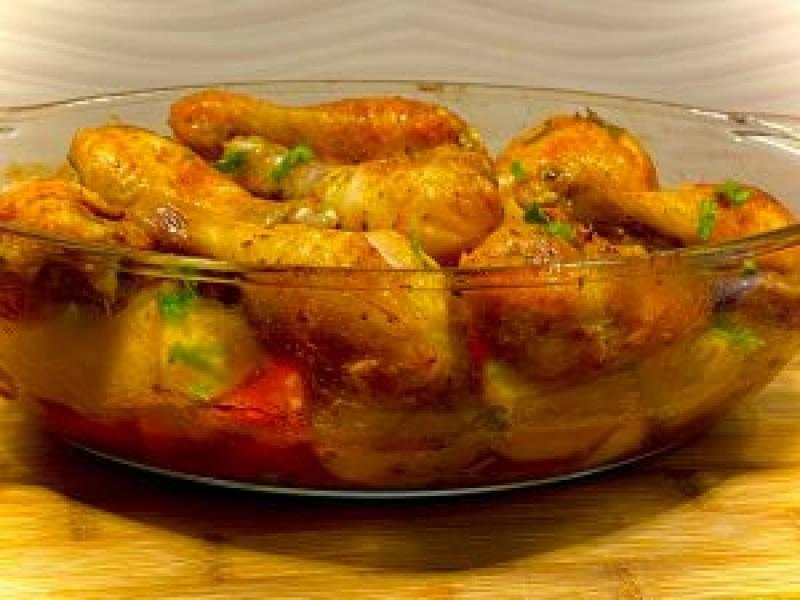 Jednogarnkowy obiad z piekarnika: kurczak pieczony z warzywami