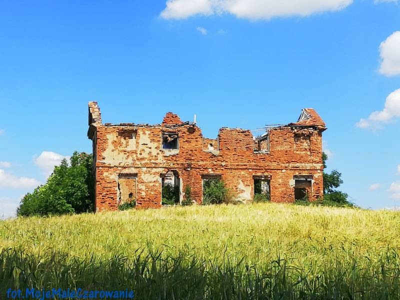 Ruiny dworu w Krąkowie woj. łódzkie