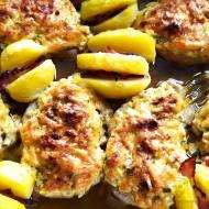 Schab pod pierzynką – zapiekany z ziemniakami i boczkiem