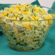 Surówka z młodej kapusty z kukurydzą
