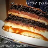 Tort czekoladowy czarno - biały na biszkoptach w galaretce