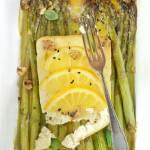 Pieczone szparagi z fetą
