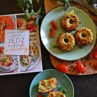 Babeczki jajeczne z warzywami i recenzja książki Jedz pysznie i chudnij. Anna Zyśk.
