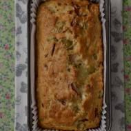 Wytrawny chlebek z oliwkami, serem i szynką...