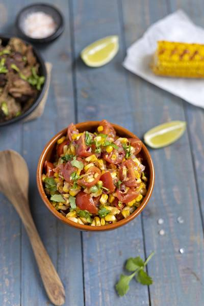 Meksykańska salsa z grillowanej kukurydzy