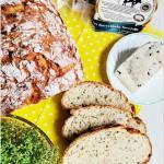 Chleb z serem, forsycją i natką pietruszki