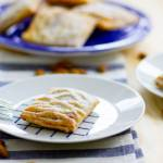 Ciastka francuskie z kremem migdałowym