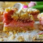 Ciasto kruche z truskawkami i budyniową pianką