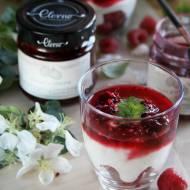 Jogurtowa panna cotta z malinami