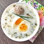 Zupa szczawiowa z jajkiem i mięsem