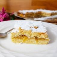 Szarlotka z rabarbarem – doskonałe kruche ciasto