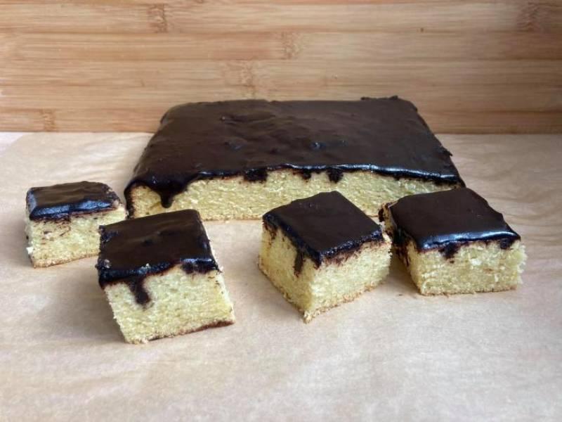 Ekspresowe ciasto z polewą czekoladową