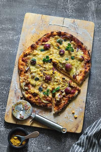 Sobotnia pizza pieczona na kamieniu