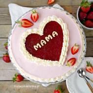 Pyszny tort truskawkowy dla ukochanej osoby