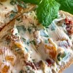 Błyskawiczna pasta z koziego sera