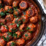 Pieczone klopsiki z indyka w sosie pomidorowym