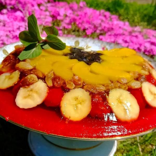 Orzeźwiający tort owocowy