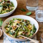 Pasta i basta #1 - Makaron ze szparagami i szpinakiem w kremowym sosie z gorgonzolą