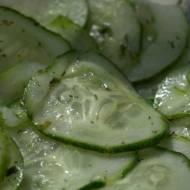 Chłodnik ogórkowy z surowego zielonego ogórka