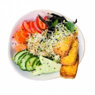 Wegański sushi bowl z tofu marynowanym z imbirem