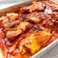 Kurczak z warzywami w sosie pomidorowym – pyszna zapiekanka