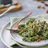 Pesto z liści kalarepy i szpinaku