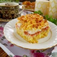 Kruche ciasto z rabarbarem i bezą – przepis na ciasto Pleśniak