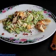 Makaron szpinakowy z pstrągiem w sosie śmietanowo - porowym
