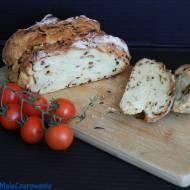 Chleb na sodzie z karmelizowaną cebulką