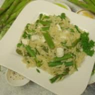 Szparagi z makaronem – pomysł na prosty i pyszny obiad