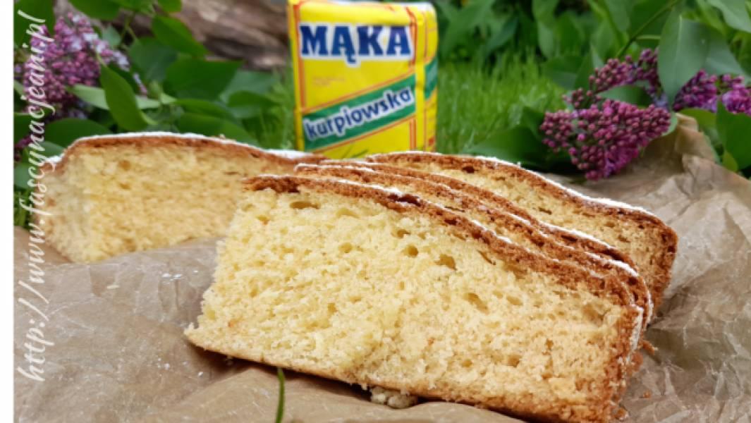 Puszyste ciasto z serkiem waniliowym