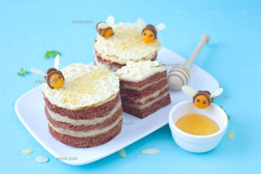 Miodowe mini torciki z pszczółkami