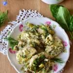 Schab ze szparagami i szpinakiem w kremowym sosie serowo-koperkowym