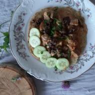 Placek ziemniaczany z mięsem