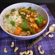 Curry z batatami, kalafiorem i nerkowcami