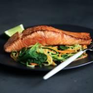3 przepisy na łososia z grilla
